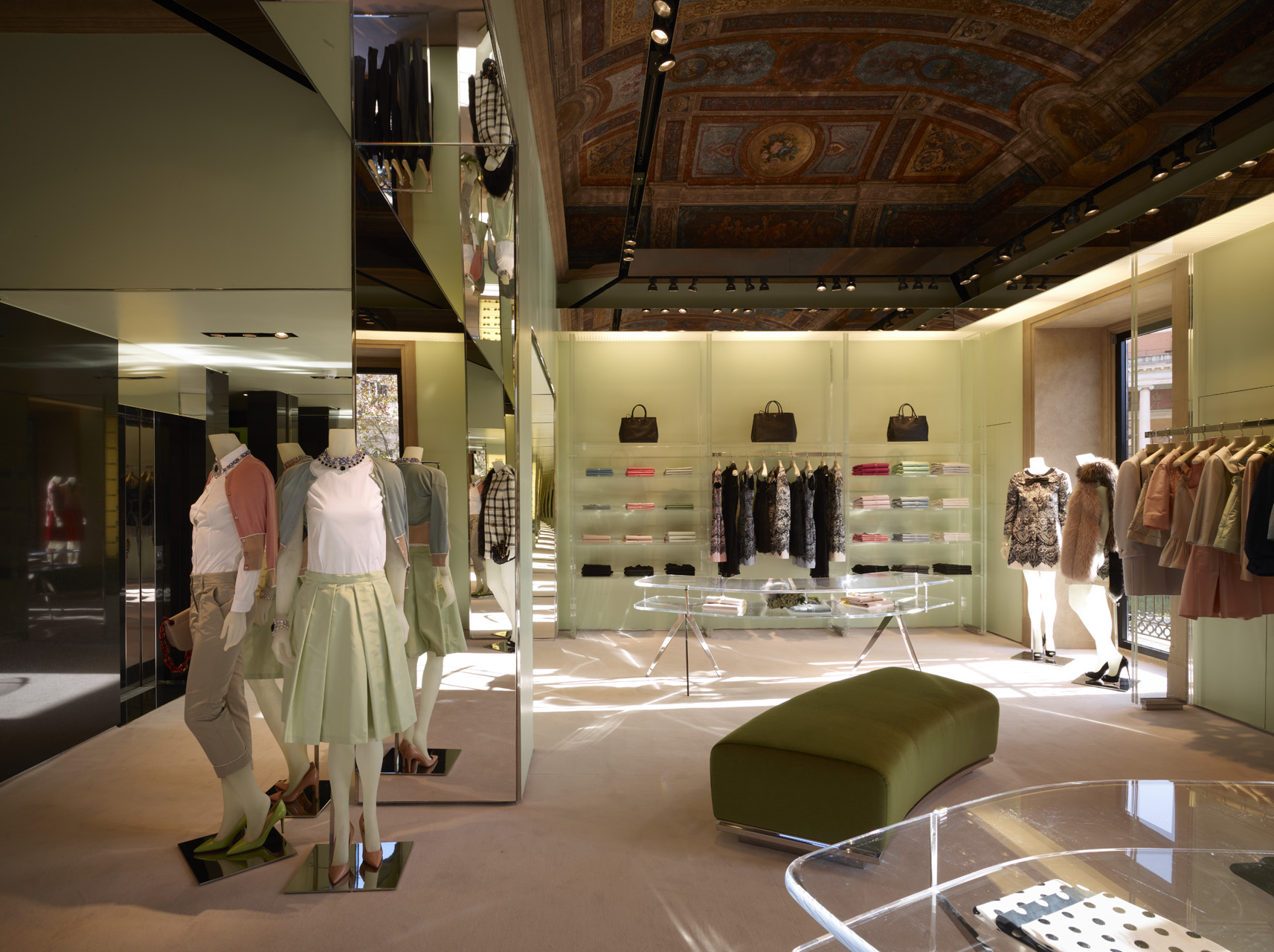Fashion outlets florence italy 37