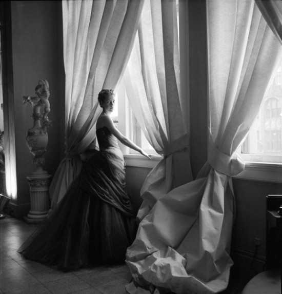 Nancy James in Charles James Swan Gown, 1955 Courtesy of The Metropolitan Museum of Art, Photograph by Cecil Beaton, The Cecil Beaton Studio Archive at Sotheby's