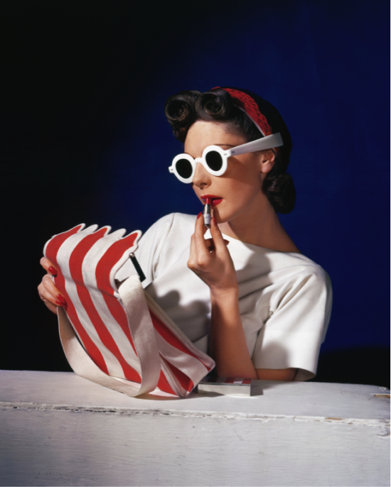Muriel Maxwell, American Vogue Date: 1939  Credit line: © Condé Nast / Horst Estate