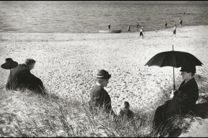 Picnic by the Baltic, Germany, 1930, © Herbert List - Magnum Photos