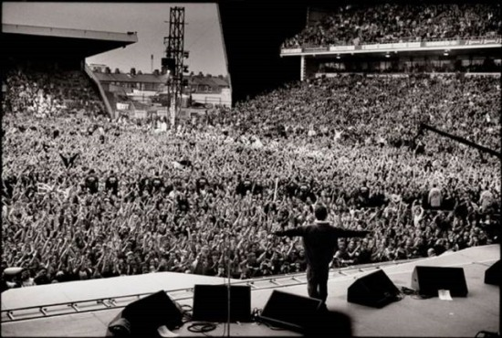 Noel Gallagher, Oasis, at Maine Road, April 1996 Credits: Jill Furmanovsky