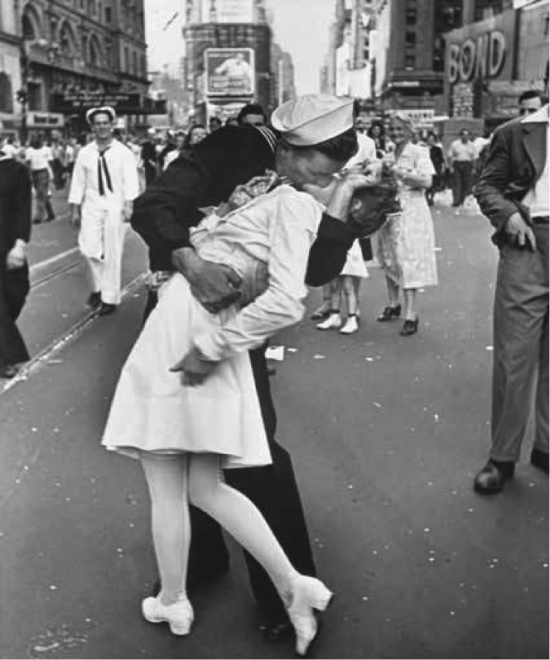 V-J Day, Times Square a.k.a. The kiss , New York Usa,1945  © Alfred Eisenstaedt