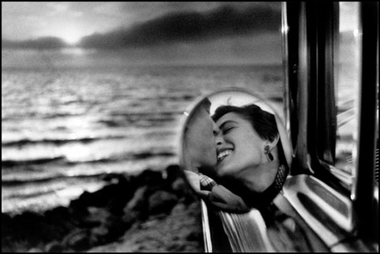 California, USA, 1955 Caption. Place. Year © Elliott Erwitt / Magnum Photos