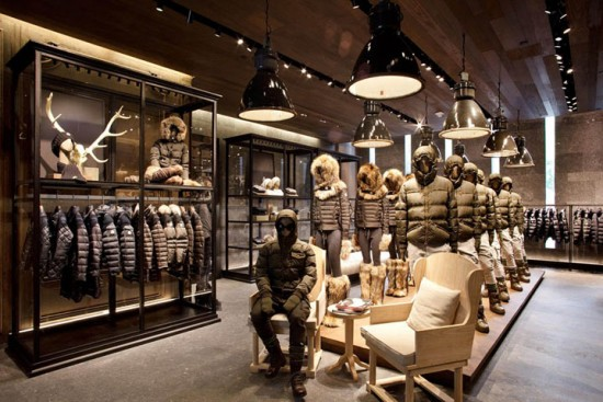 Moncler conquista singapore luuk magazine for Showroom moncler milano