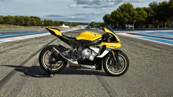 2016-Yamaha-YZF-R1-60th-Anniversary-EU-60th-Anniversary-Static-006