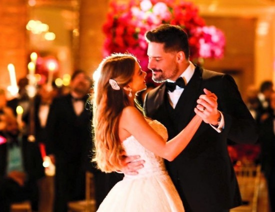 sofia-vergara-joe-manganiello-wedding-pictures-04