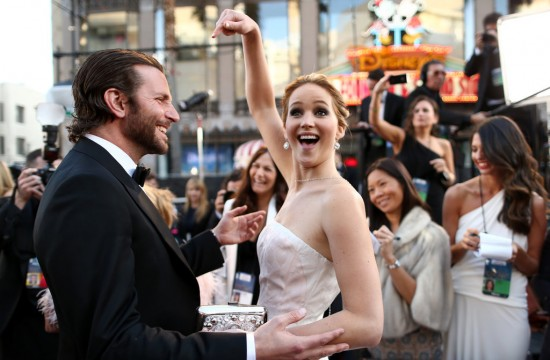 Cute-Jennifer-Lawrence-Bradley-Cooper-Pictures