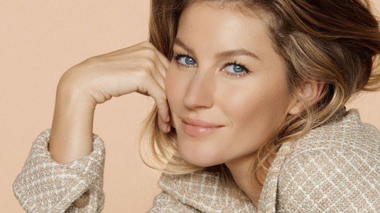 gisele-bundchen-photo-shoot-for-chanel-les-beiges-2016-1