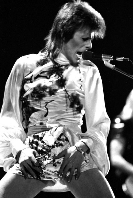 ©Michael Putland, David Bowie performing live at Earls Court, London on 14th May 1973