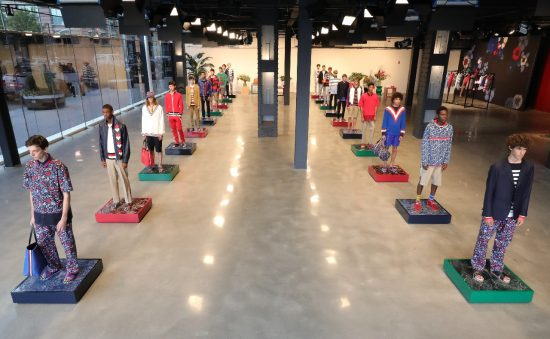 La presentazione dell'uomo di Tommy Hilfiger Edition alla New York Fashion Week