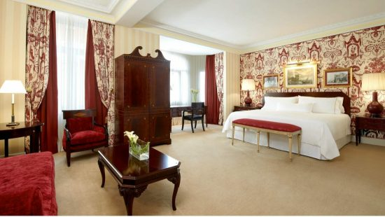 ExecutiveSuiteBedRoomTheWestinPalaceMadrid