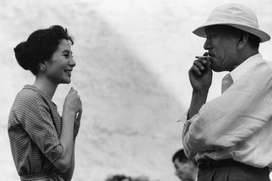 Kuga Yoshiko (attrice) e Ozu Yasujirō (regista), 1958 457×560 Ken Domon Museum of Photography