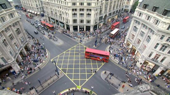oxford_street_diagonals_wcc230409_1