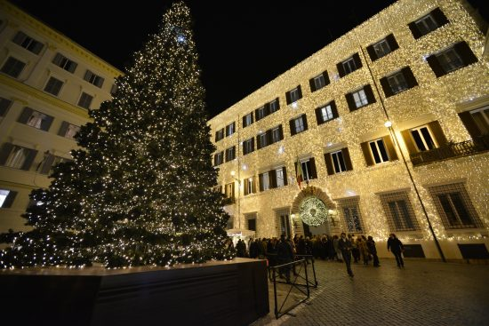 valentino-christmas-tree-lighting-rome-december-1st-2016-2