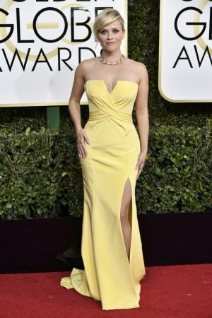 Reese Witherspoon in Atelier Versace.