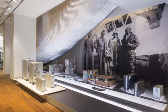 rimowa-flagshipstore-paris_historical-cases