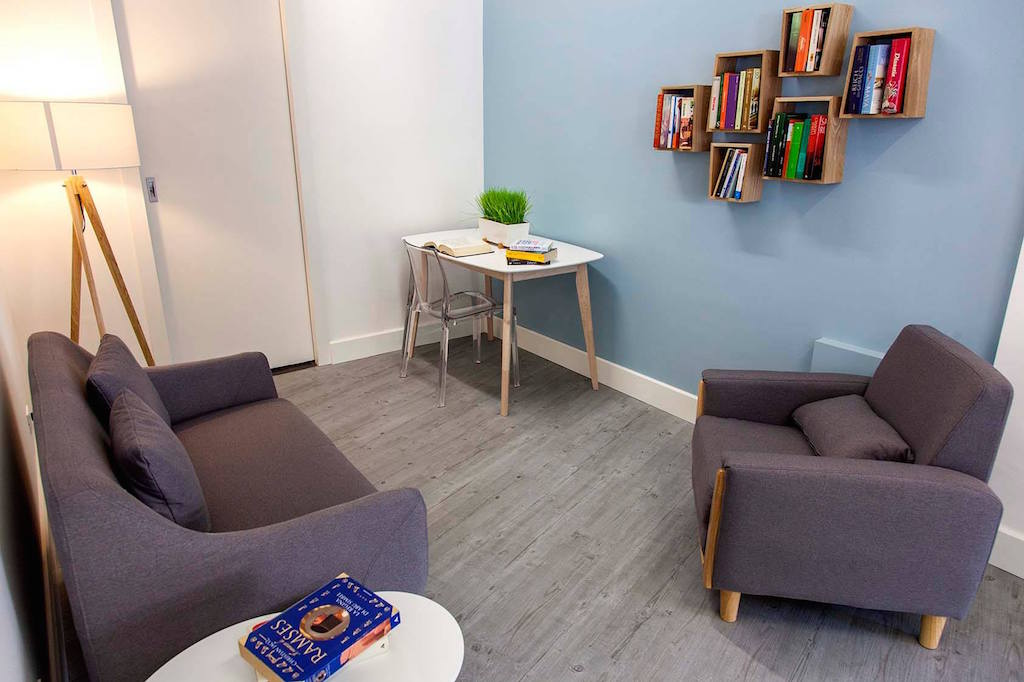 Coffice il primo bar con coworking dove si paga solo il for Bar coworking milano